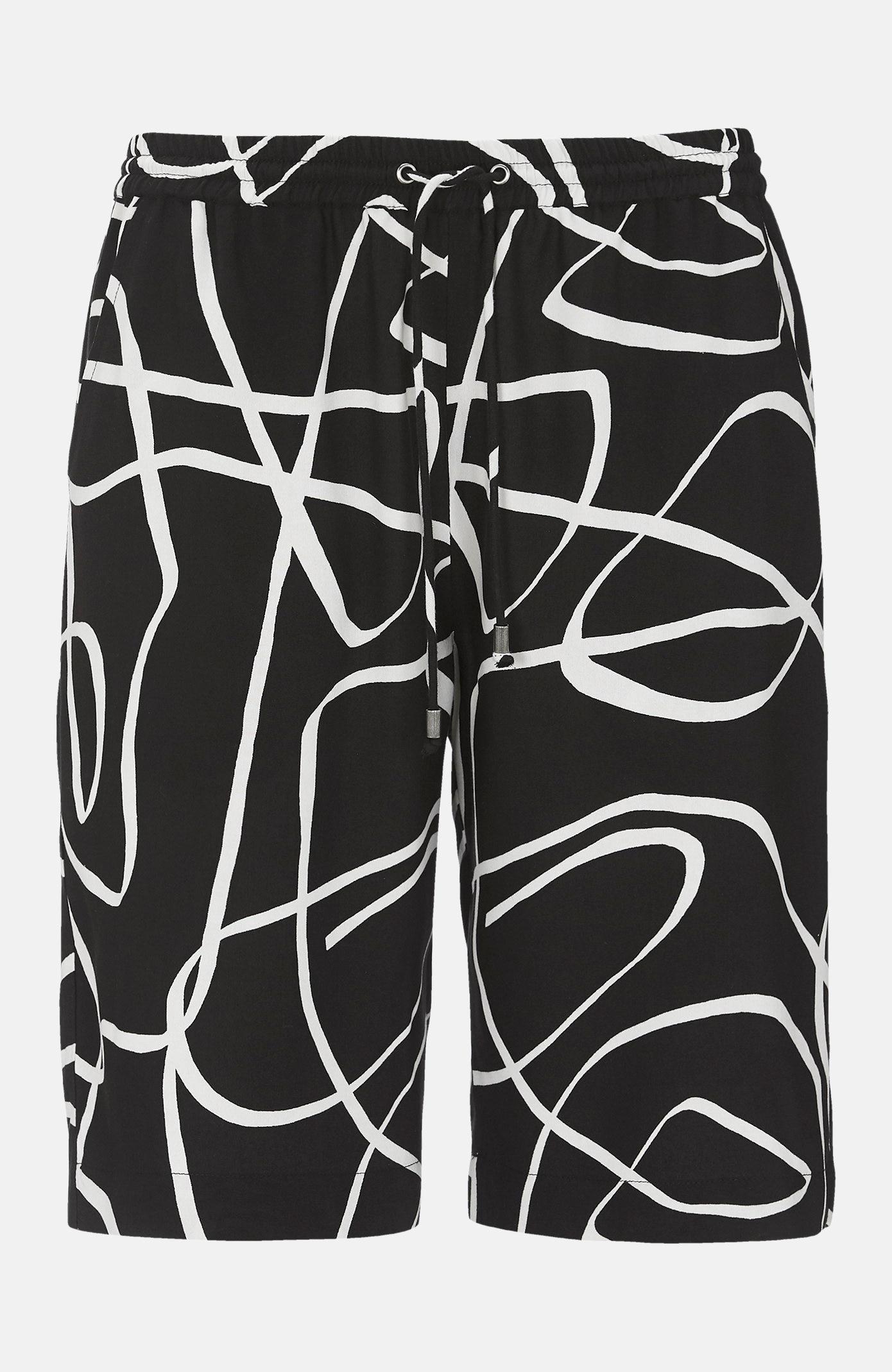 Shorts med strikk i livet.