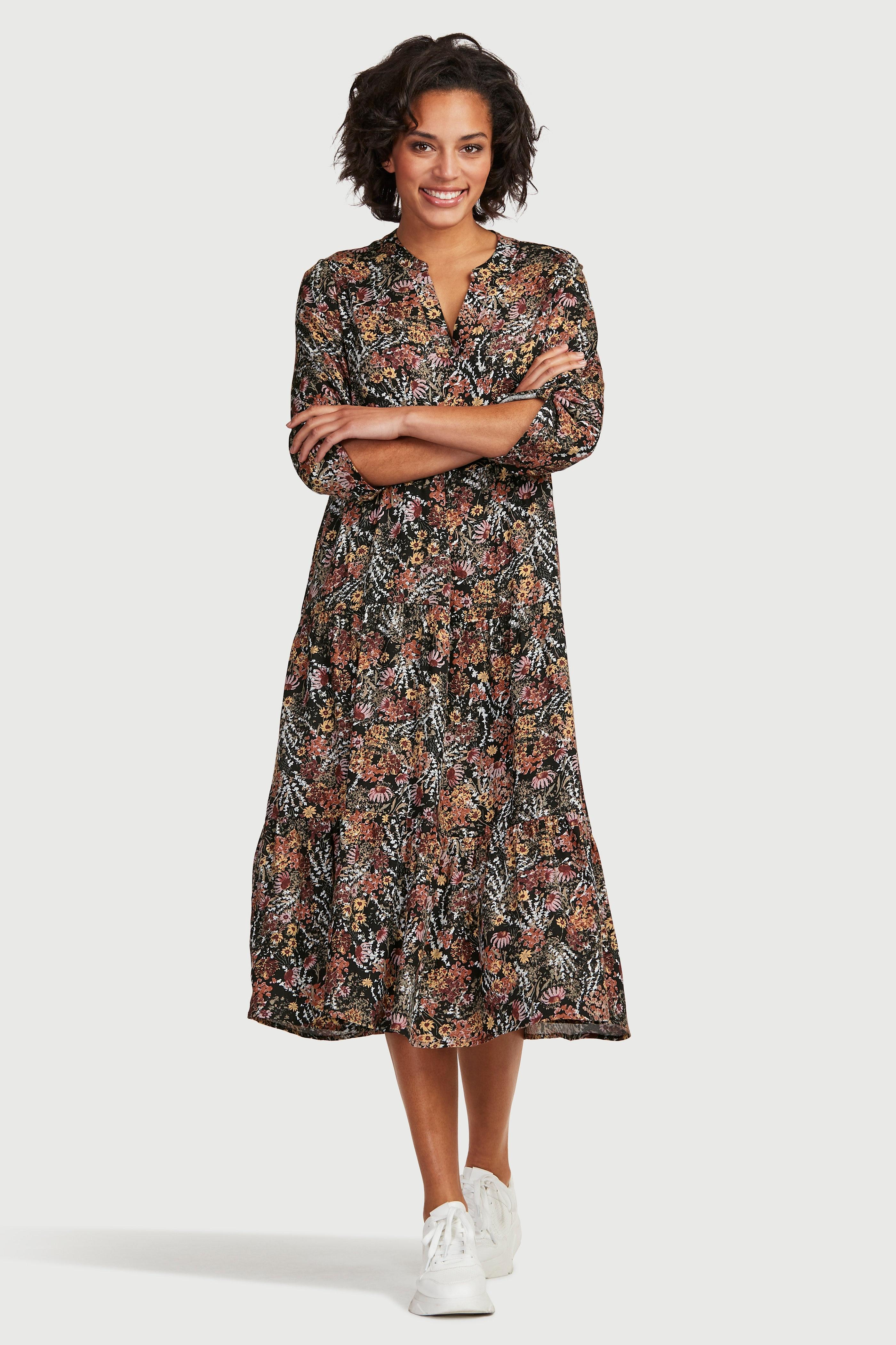 Mønstret kjole med volanger