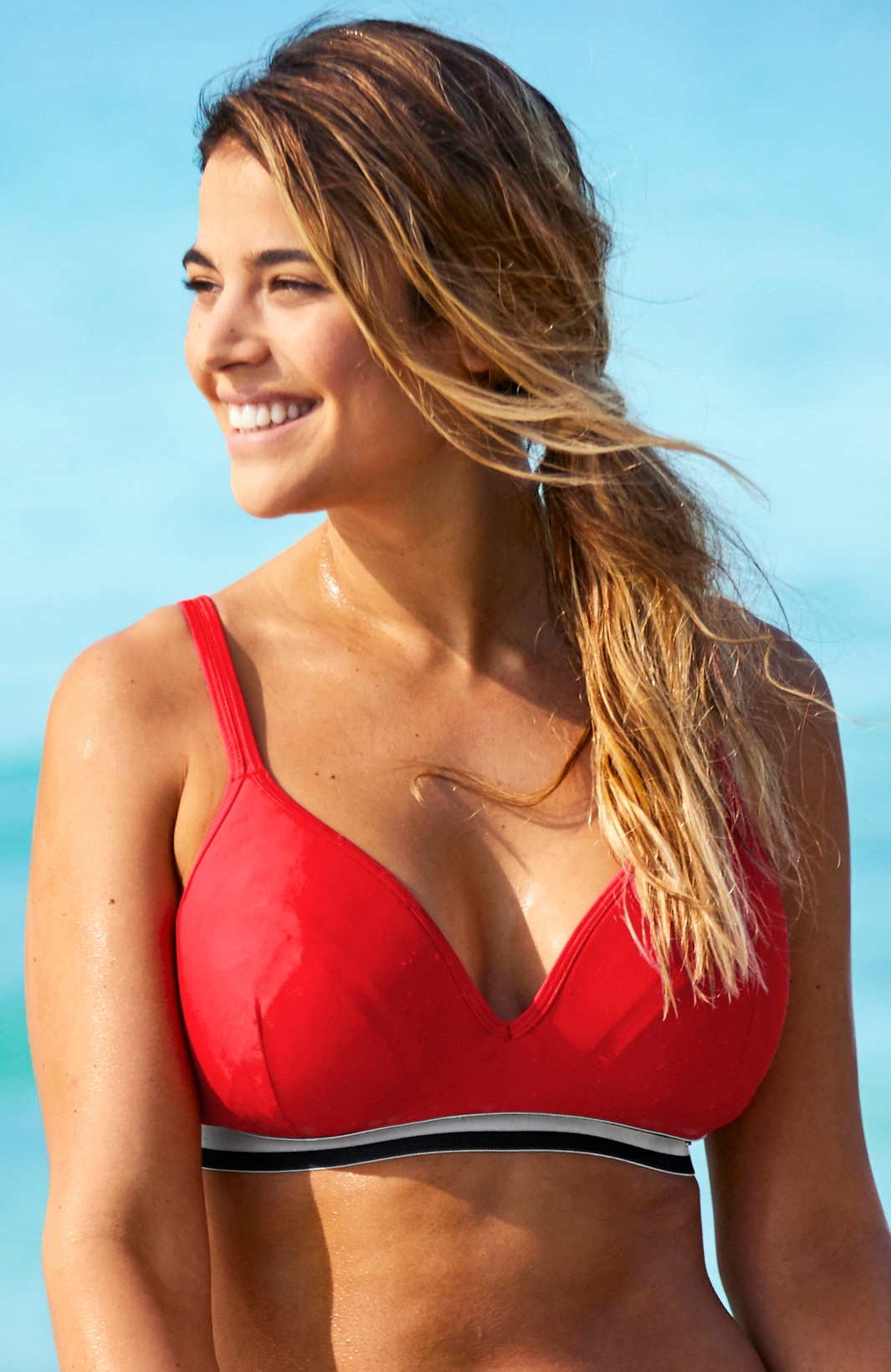 Rød bikini-bh uten bøyle