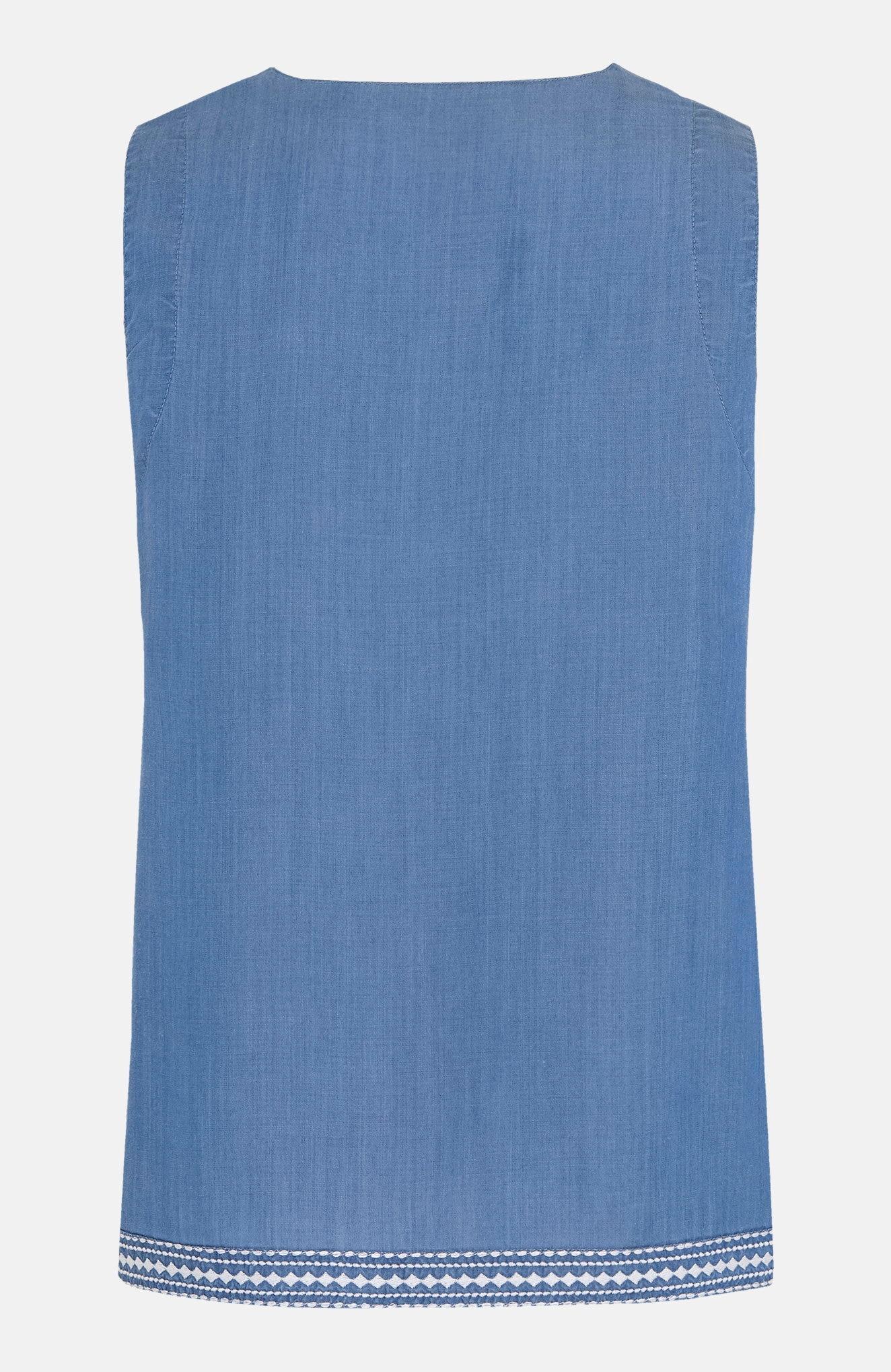 Ermeløs bluse med broderier og vaskeeffekter