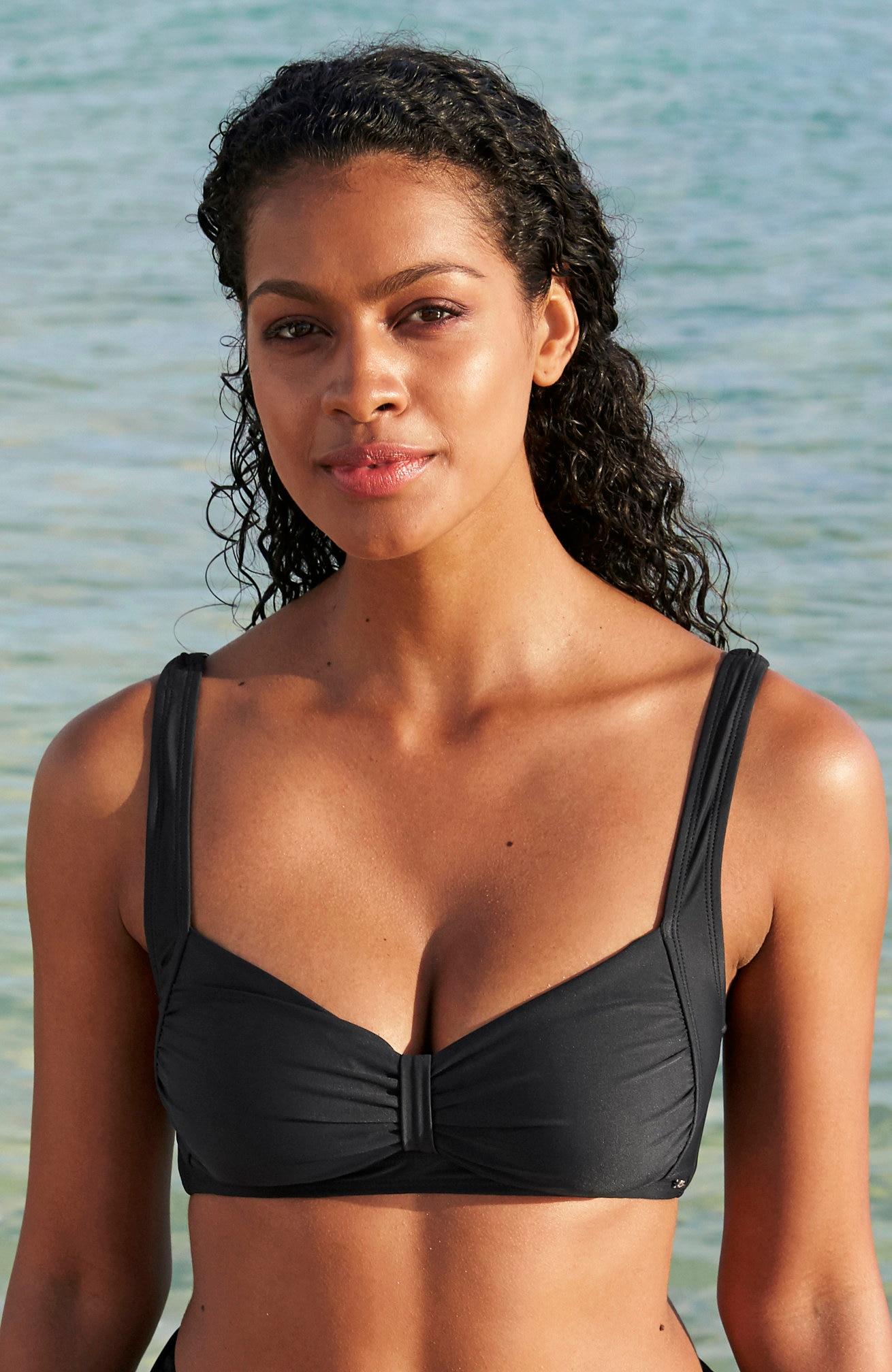 Svart bikini-bh uten bøyle