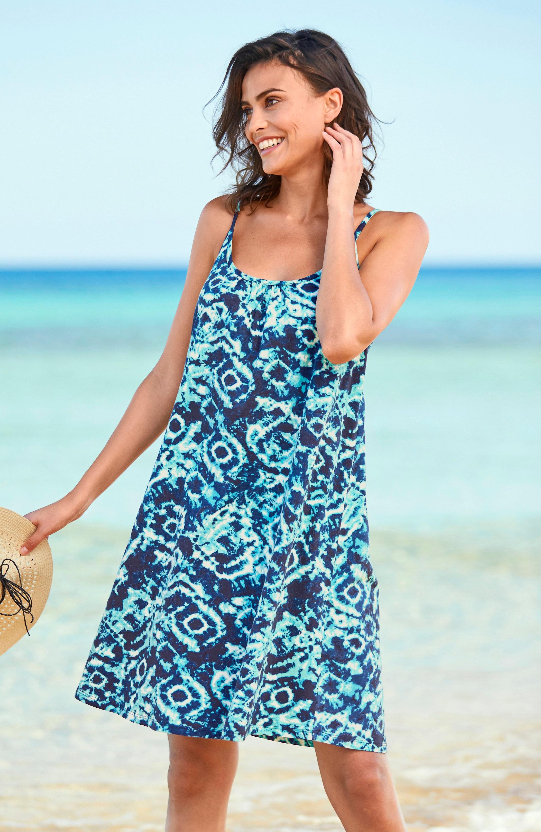 Blåmønstret strandkjole