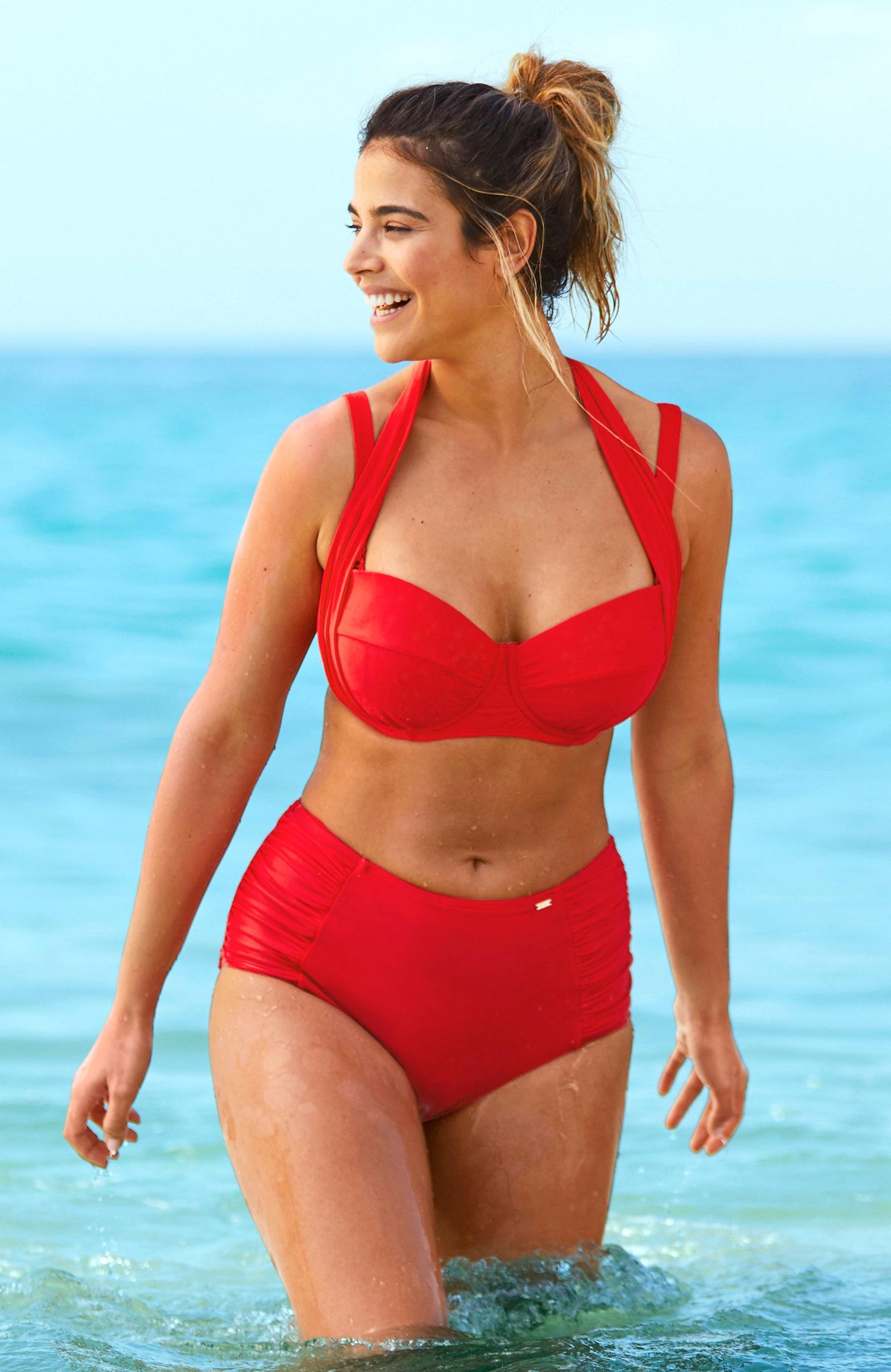 Rød bikinitruse høyt liv